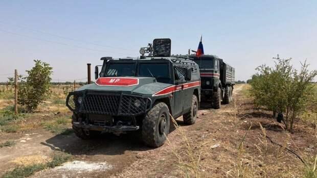 Военнослужащие РФ блокировали передвижение колонны солдат США в Сирии