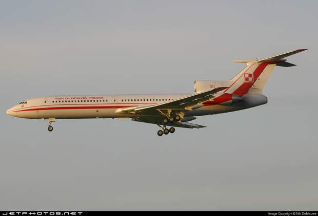 МАК опубликовал расшифровку переговоров экипажа самолета Качиньского с диспетчерами