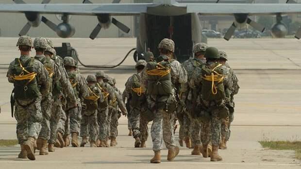 Американские военнослужащие покинули крупнейшую базу в Афганистане