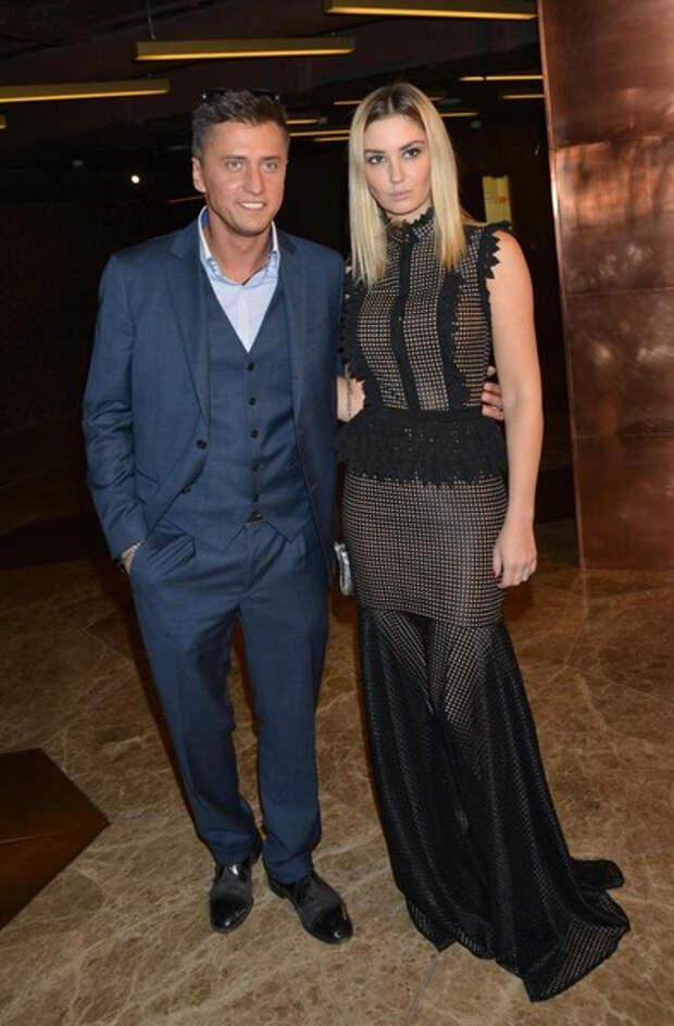 Агата Муцениеце: «Мне казалось, я готова к новым отношениям, что даже сходила на свидание»