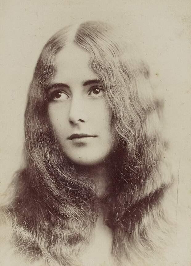 Танцовщица Клео де Мерод, 1902