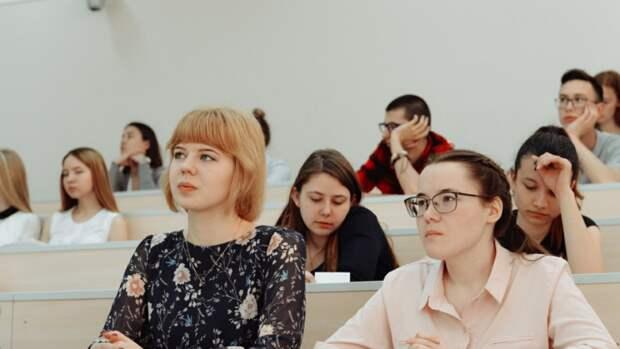 Вузы России могут перейти на дистанционное обучение из-за роста заболеваемости COVID-19