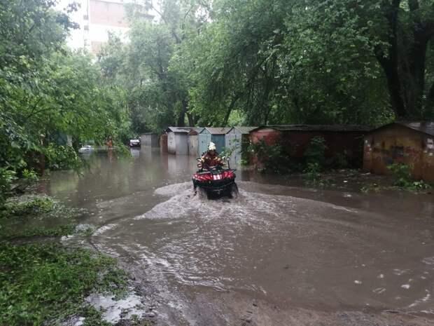 В Саратове из-за ливня с градом случилось наводнение