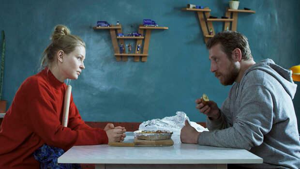 """Получивший приз """"Кинотавра"""" фильм о любви и интернете с Пересильд вышел онлайн"""