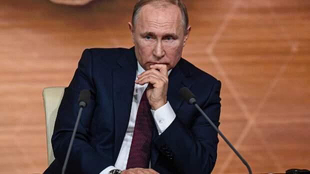 """""""Не хочется казаться грубым, но..."""": Журналист попытался поймать Путина, но получил отпор"""