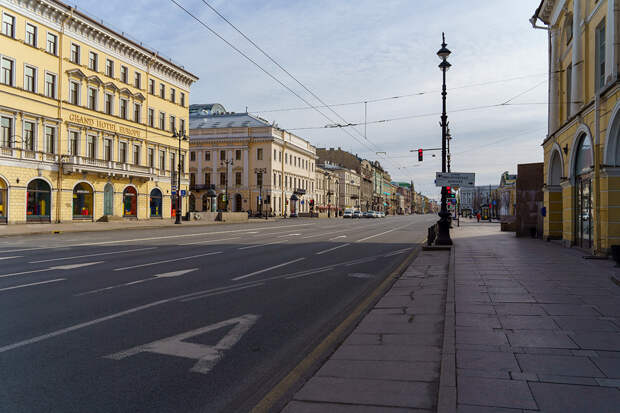 10 историй о самоизоляции в Петербурге
