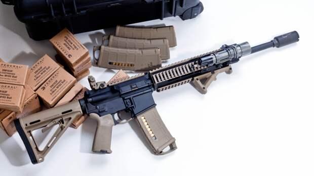 Госдума предложила ужесточить наказание за незаконный сбыт оружия и боеприпасов