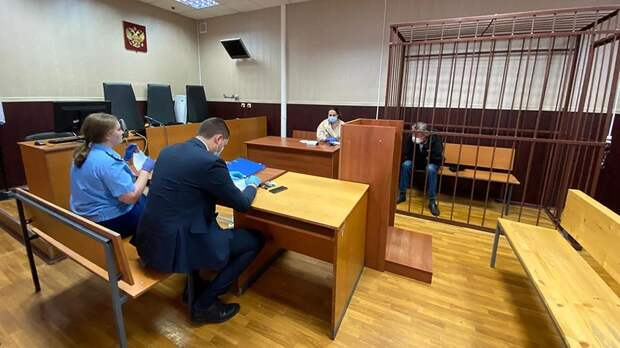 Михаила Ефремова посадили под домашний арест после смертельной аварии