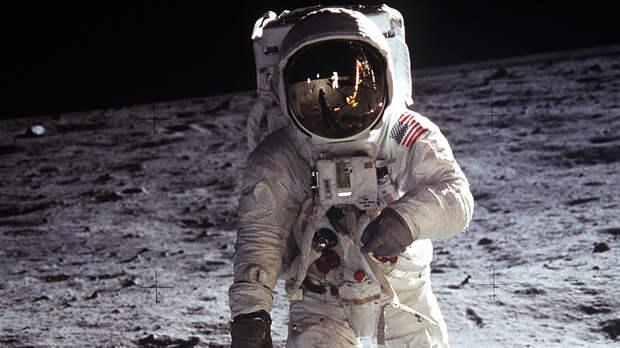Образец лунного грунта помог раскрыть древнюю тайну спутника Земли