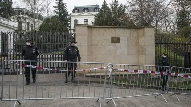 Как сложится судьба высланных из российских посольств на Западе