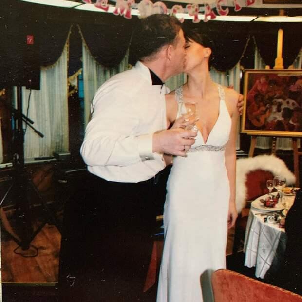 «Вот с кого надо брать пример» : Победившая страшный диагноз Наталья Сенчукова поделилась свадебной фотографией