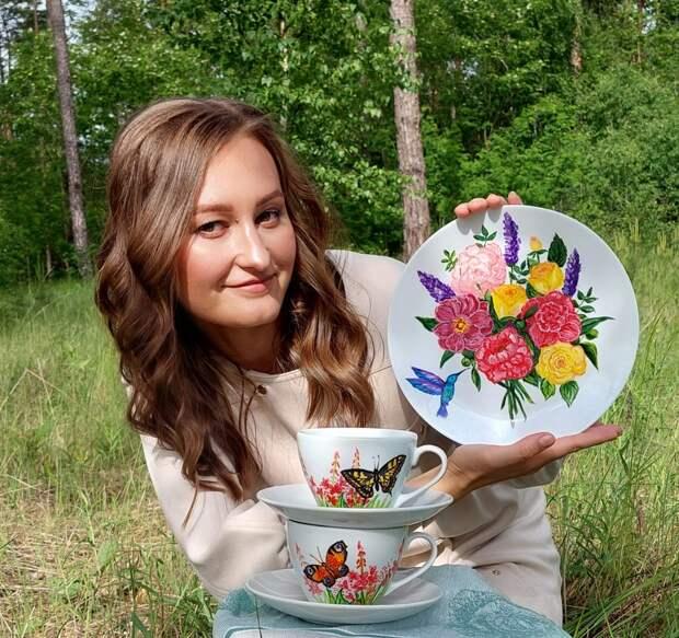 Татьяна Симонаева со своими работами / Фото из личного архива