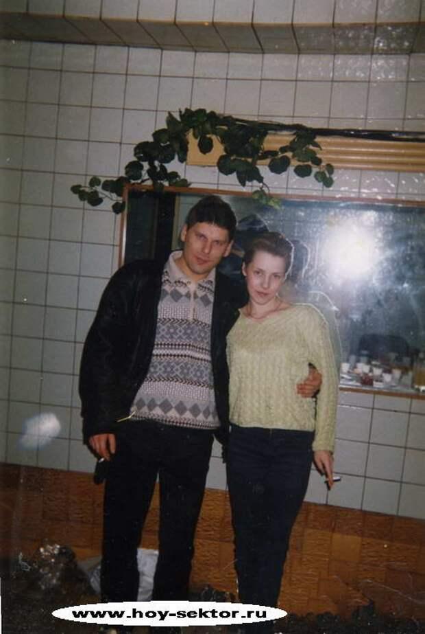 Редкие фотографии из архива последней подруги Юры Хоя.