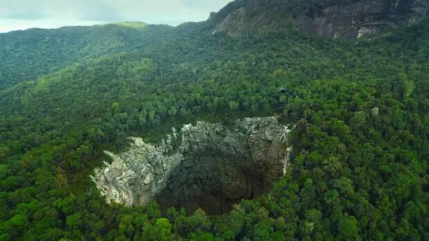 Подпольная жизнь планеты: что скрывается в недрах Земли?