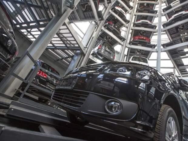 Покупатели новых Lada используют автомобиль 5,5 лет, а Mercedes – 2,5 года