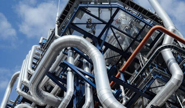 Выпуск бензина на заводах «Газпром нефти» в Москве и Омске увеличился на 4,3%