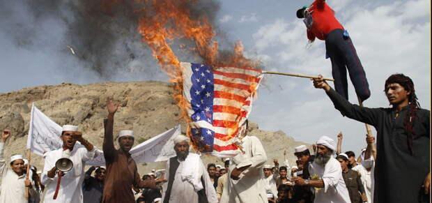 Визит на прошлой неделе президента Афганистана Ашрафа Гани и его соперника по прошлым выборам...