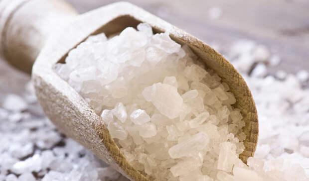 Едим много соли: что происходит с телом