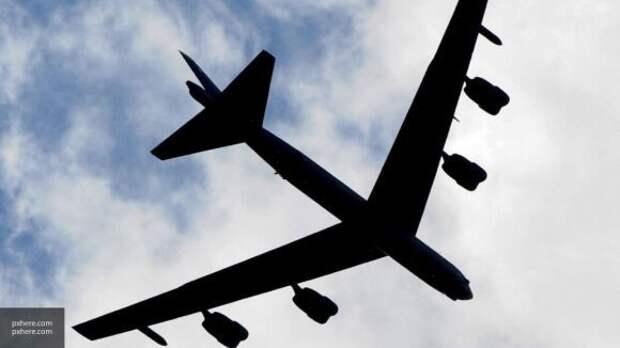 Вид из кабины: пилоты B-52H ВВС США засняли свой перехват самолетами Су-27