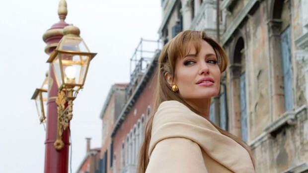 Анджелина Джоли рассказала о страхах после развода с Брэдом Питтом