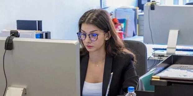 Московские выпускники могут пройти стажировку в учреждениях соцсферы фото: mos.ru