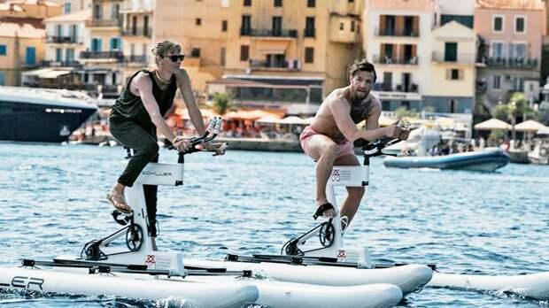 Макгрегор вместе с княгиней Монако отправится в тур длиной 180 км на водных велосипедах