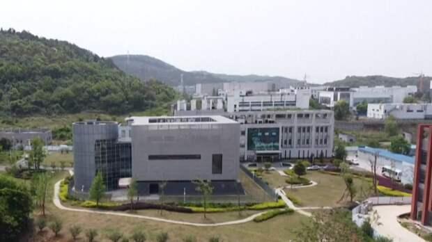 Эксперт оценил версию об утечке SARS-CoV-2 из лаборатории в Ухане