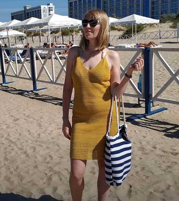 Как связать пляжный сарафан крючком