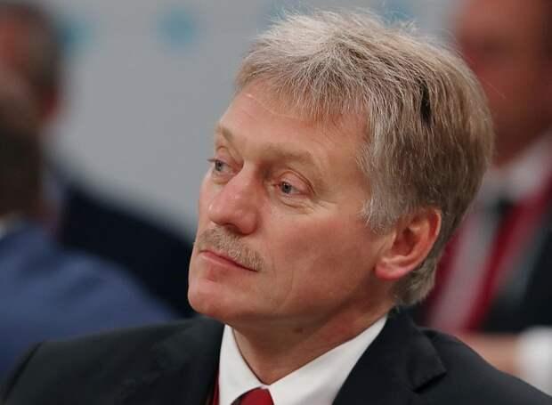 Кремль: об обязательной вакцинации от коронавируса в России речи не идет