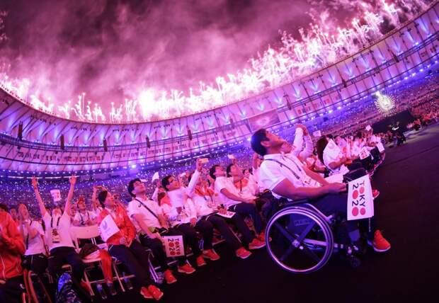 Церемония закрытия летних Паралимпийских игр в Рио-де-Жанейро