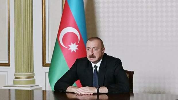 Алиев направил поздравление Путину по случаю Дня Победы