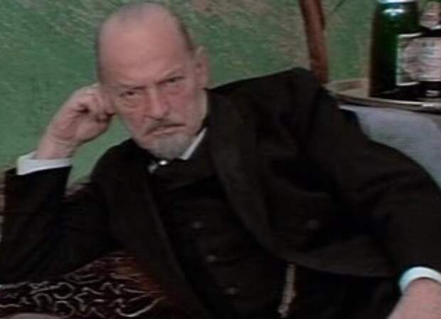 Кто скрывался под маской жуткого пирата «слепого Пью» в любимом фильме детства «Остров сокровищ»