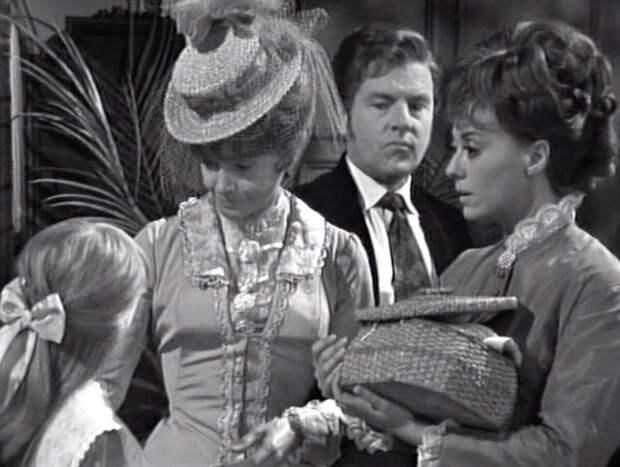 Кадр из этого чёрно-белого сериала 1967-го года