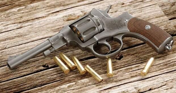 Сто лет назад это было серьезное оружие. /Фото: fonstola.ru.