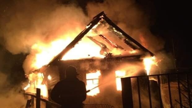 Ребенок сгорел в деревянном доме под Самарой
