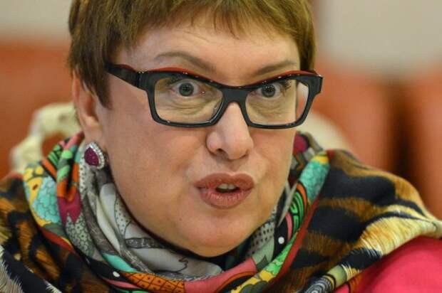 Смородская: «Хочу, чтобы игроки нашей сборной встали на колено»