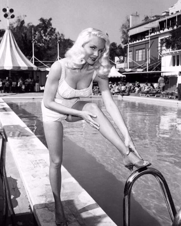 Джои Лэнсинг секс-бомба Голливуда 1950 годов