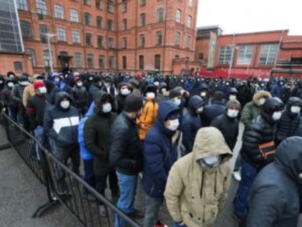 МВД пригрозило массовыми выдворениями нелегалов в страны СНГ