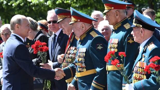 Ветеран из Армении назвала встречу с Путиным на параде «большим событием»
