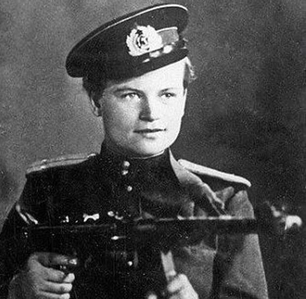 Евдокия Завалий: почему фашисты прозвали её «фрау чёрная смерть»