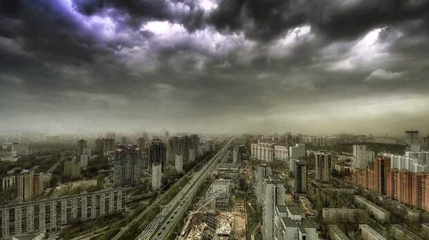 Москвичей предупредили о грозе и граде в ближайшие часы