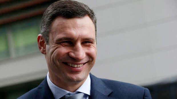 СБУ объяснила обыски в подъезде дома Кличко