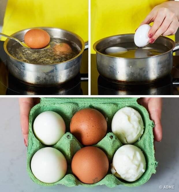 Чтобы яйца легко очистить от скорлупы, нужно положить их в холодную воду после варки