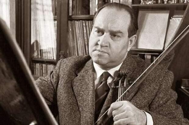 Ограбление квартиры «короля скрипки» (2 фото)