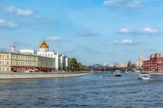 В Москве объявили «оранжевый» уровень погодной опасности на вторник из-за жары