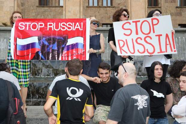 Венесуэльско-белорусский сценарий для России?