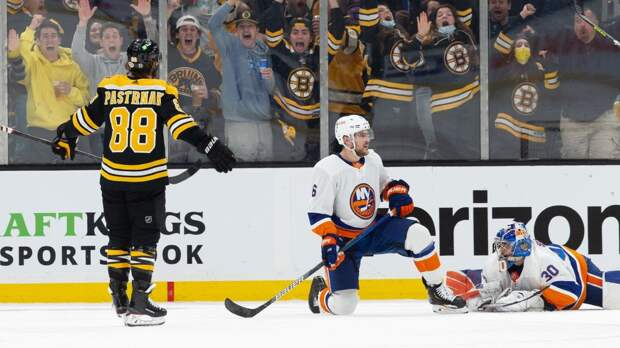 Пастрняк вышел на 4-е место в истории «Бостона» по хет-трикам в Кубке Стэнли