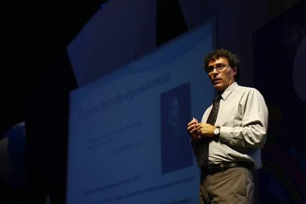 Мигель Алькубьерре, как и многие учёные, вдохновлялся классикой научной фантастики (Movistar Campus Party México / Flickr)