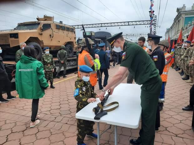 Агитпоезд «Мы – армия страны! Мы – армия народа!» прибыл в Иркутск сегодня, 13 июня