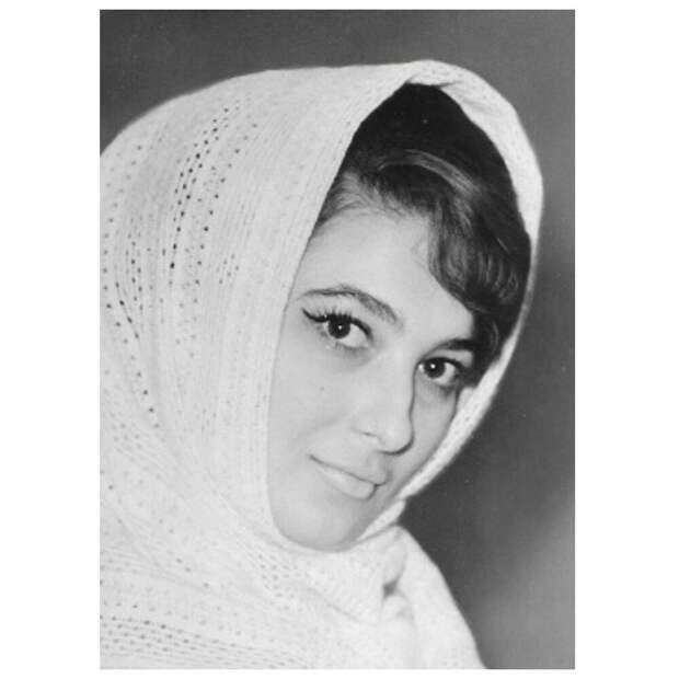 Княжна Бэла, спустя 55 лет. Какая сейчас звезда картины «Герой нашего времени», актриса Сильвия Берова